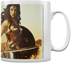 Taza de Wonder Woman clásica de Gal Gadot - Las mejores tazas de Wonder Woman - Tazas de DC