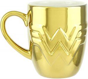 Taza de logo de Wonder Woman de oro - Las mejores tazas de Wonder Woman - Tazas de DC