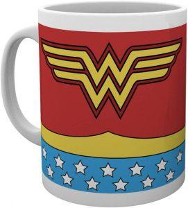 Taza de traje clásico de Wonder Woman - Las mejores tazas de Wonder Woman - Tazas de DC
